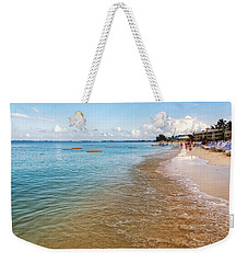 Weekender Tote Bag featuring the photograph Seven Mile Beach by Lars Lentz