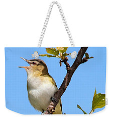 Weekender Tote Bag featuring the photograph Singing Red-eyed Vireo by Debbie Stahre