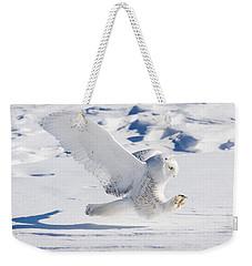 Snowy Owl Pouncing Weekender Tote Bag