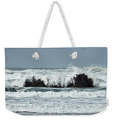 Weekender Tote Bag featuring the photograph Splash by Peggy Hughes