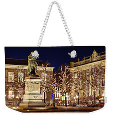 Weekender Tote Bag featuring the photograph Statue Of William Of Orange - The Hague by Barry O Carroll