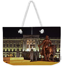 Weekender Tote Bag featuring the photograph Statues View Of Buckingham Palace by Terri Waters