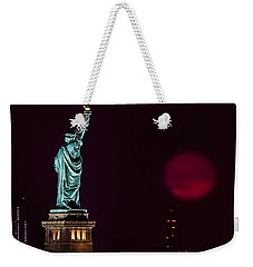 Super Moon Rising And The Statue Of Liberty Weekender Tote Bag