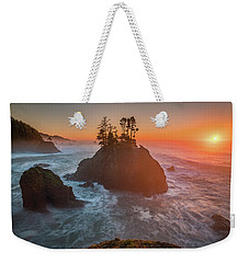 Weekender Tote Bag featuring the photograph The Golden Sunset Of Oregon Coast by William Lee