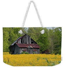 Weekender Tote Bag featuring the photograph Tired Indiana Barn - D010095 by Daniel Dempster