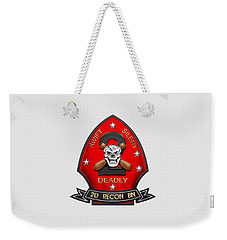 U S M C  2nd Reconnaissance Battalion -  2nd Recon Bn Insignia Over White Leather Weekender Tote Bag