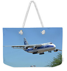 Volga-dnepr An-124 Ra-82068 Landing Phoenix Sky Harbor June 15 2016 Weekender Tote Bag