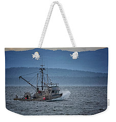 Weekender Tote Bag featuring the photograph Western Sunrise by Randy Hall