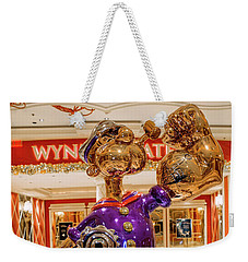 Wynn Popeye Statue By Jeff Koons Weekender Tote Bag