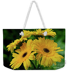 Weekender Tote Bag featuring the photograph Yellow Chrysanthemums By Kaye Menner by Kaye Menner