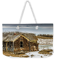 Abondened Old Farm Houese And Estates Dot The Prairie Landscape, Weekender Tote Bag