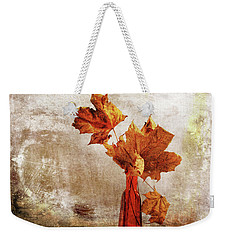Weekender Tote Bag featuring the photograph Atumn In A Vase by Randi Grace Nilsberg