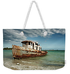 Weekender Tote Bag featuring the photograph Caribbean Shipwreck 21002 by Rick Veldman