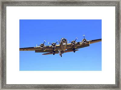 B17 Flying Fortress On Approach At Livermore Klvk Framed Print