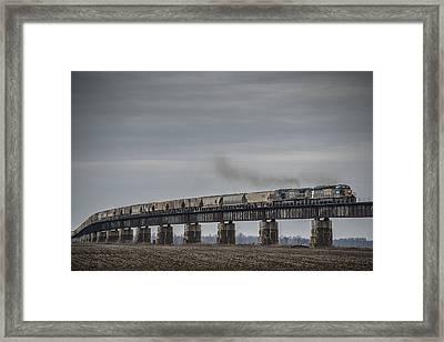 Csx G415 Climbing The Viaduct At Rahm Indiana Framed Print