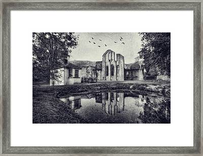 Valle Crucis Abbey V2 Framed Print