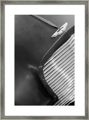 1953 Aston Martin Db2 Vantage Drophead Coupe Grille Emblem Framed Print by Jill Reger