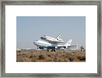 747 Transporting Discovery Space Shuttle Framed Print by Science Source