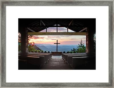 A Good Morning At Pretty Place Framed Print by Rob Travis
