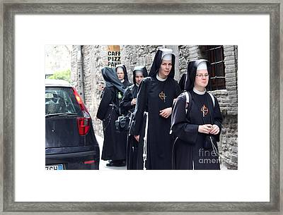 Framed Print featuring the photograph Assisi -8 by Theresa Ramos-DuVon
