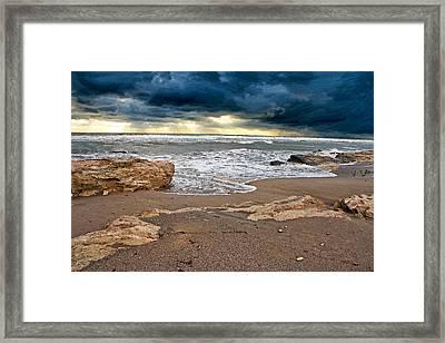 Beach. Framed Print by Alexandr  Malyshev