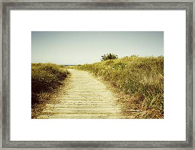 Beach Trail Framed Print by Les Cunliffe