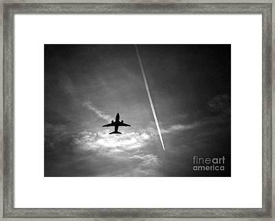 Boeing 737 Framed Print
