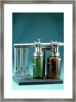 Boyle's Apparatus For General Anaesthesia Framed Print by Science Photo Library