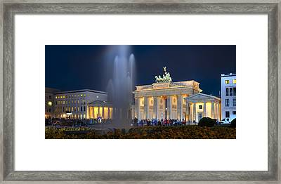 Brandenburger Tor Framed Print