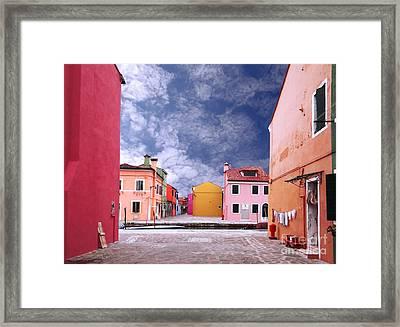 Burano 01 Framed Print