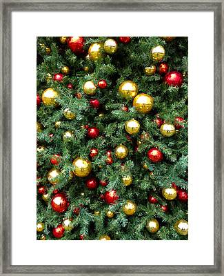 Christmas Baubles Framed Print by Les Cunliffe