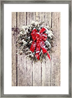 Christmas Wreath On Barn Door Framed Print by Stephanie Frey
