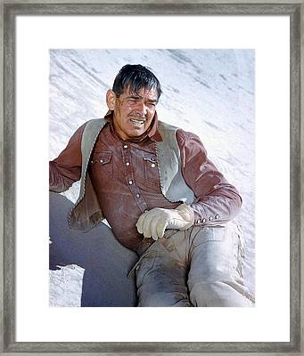 Clark Gable In The Misfits Framed Print by Silver Screen