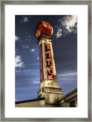Cliftonville Lido Framed Print by Ian Hufton
