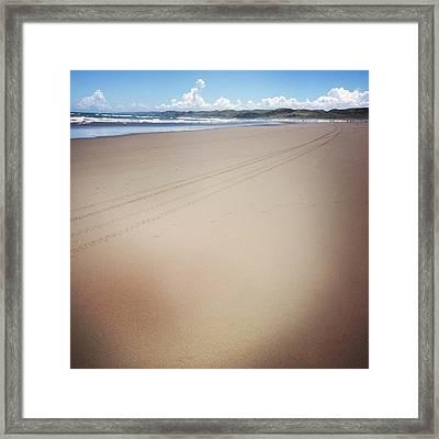 Coastline Framed Print by Les Cunliffe