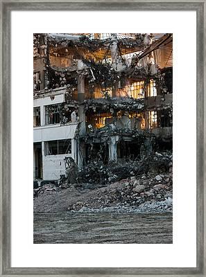 Derrumbe Framed Print