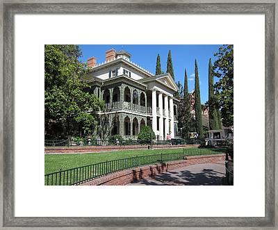 Disneyland Park Anaheim - 12122 Framed Print by DC Photographer