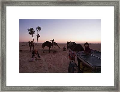 Douz Framed Print by Lucas Vallecillos - Vwpics
