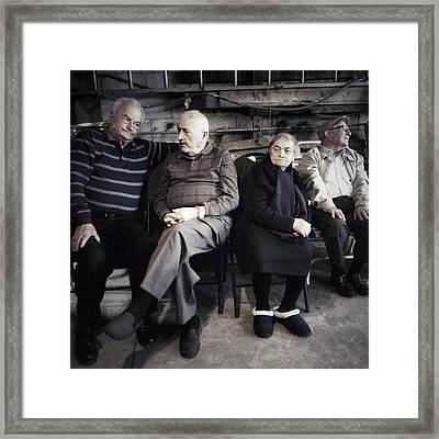 Famiglia Framed Print