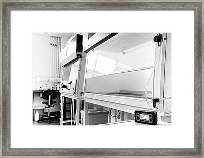 Fume Cupboard Safety Testing Framed Print by Crown Copyright/health & Safety Laboratory Science Photo Library