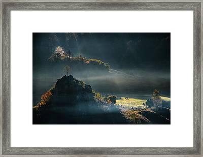 Fundatura Ponorului Framed Print
