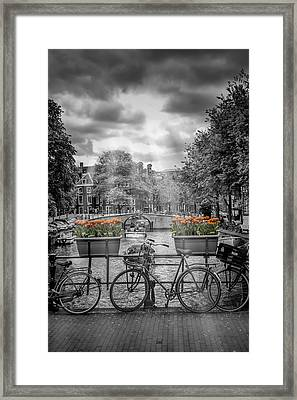 Gentlemens Canal Amsterdam Framed Print by Melanie Viola