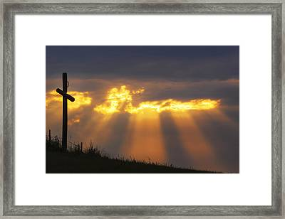 Framed Print featuring the photograph Glorious Sunrise by Rob Graham