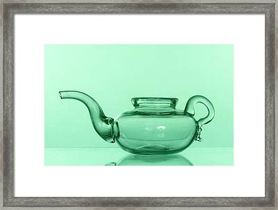 Invalid Feeder Framed Print by Science Photo Library
