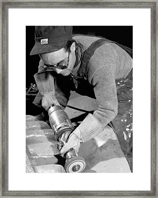 Isamu Noguchi Working Framed Print by Underwood Archives