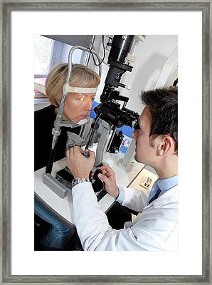 Laser Eye Surgery Aftercare Framed Print by Aj Photo/science Photo Library