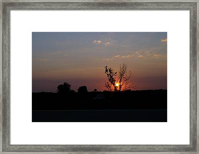 Framed Print featuring the photograph Missouri Sunset by Roseann Errigo