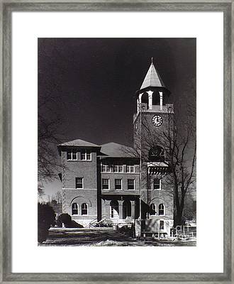 Monkey Trial  Courthouse Framed Print by   Joe Beasley