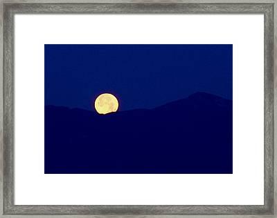 Moonset Framed Print by Rona Black