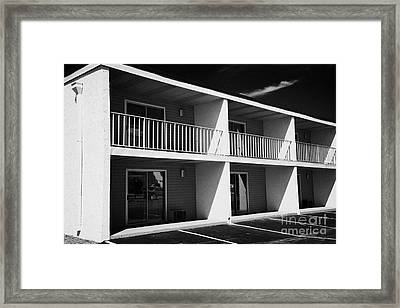 Mostly Empty Cheap Budget Motel In Kissimmee Florida Usa Framed Print by Joe Fox